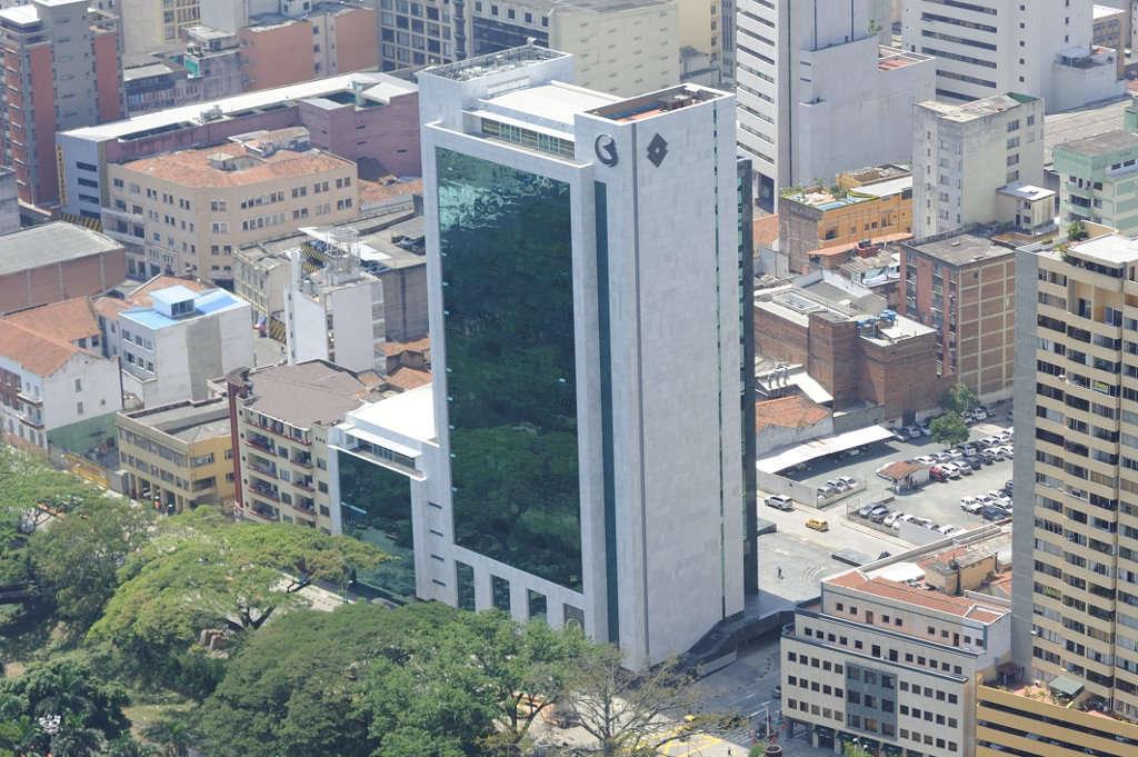 Edificio avenida colombia banco de bogota sainc s a for Banco de bogota